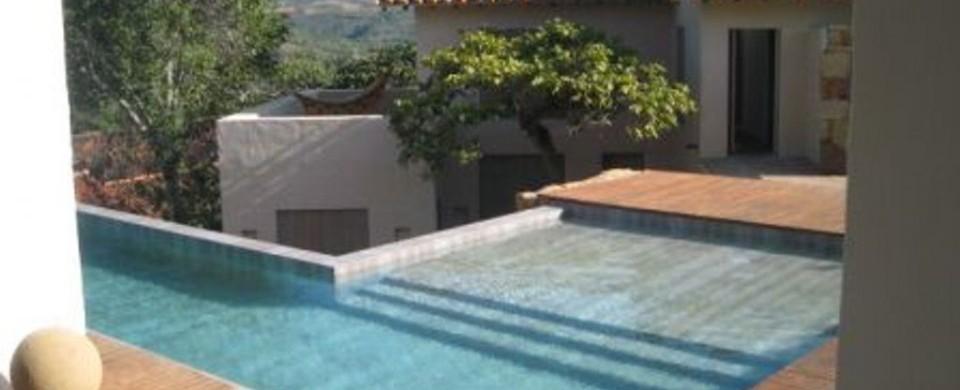 La piscina Fuente Casa Majiara
